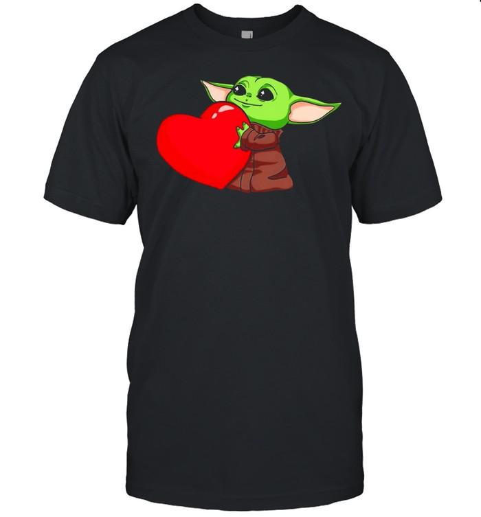Baby Yoda Cute Hug Heart Happy Valentine 2021 shirt Classic Men's T-shirt