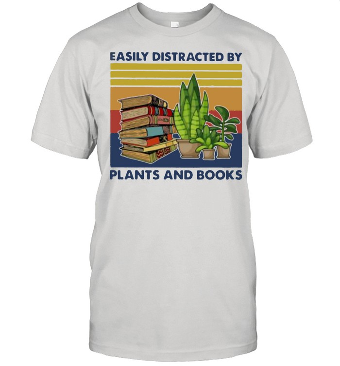 Easily distracted by plants and books Gardening vintage shirt Classic Men's T-shirt